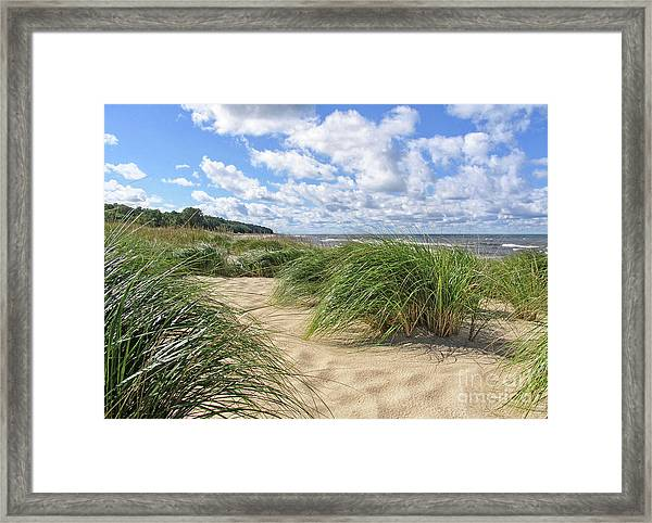 Remembering Summer Beach Scenes Framed Print
