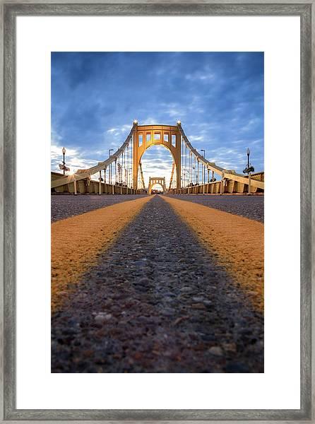 Roberto Clemente  Framed Print