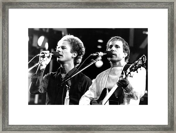 Simon And Garfunkel 1982 Framed Print