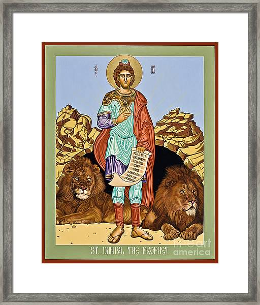 St. Daniel In The Lion's Den - Lwdld Framed Print