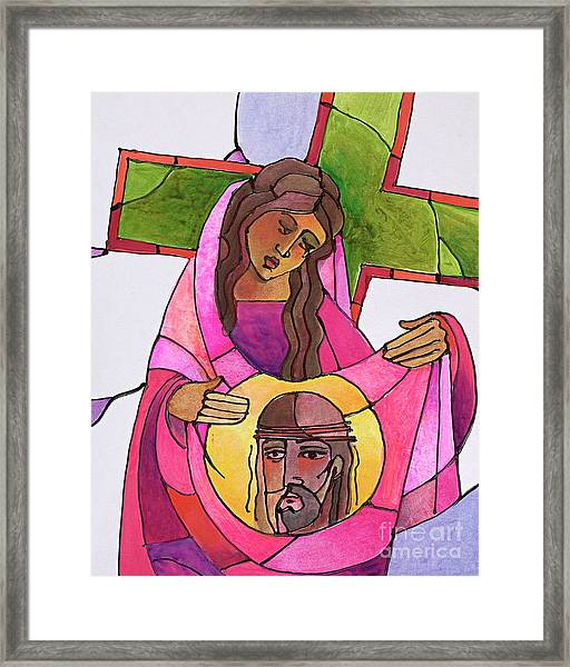 Stations Of The Cross - 06 St. Veronica Wipes The Face Of Jesus - Mmvew Framed Print