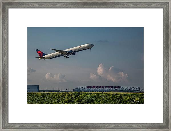 Sunset Glow Delta Airlines Jet N839mh Hartsfield Jackson International Airport Art Framed Print