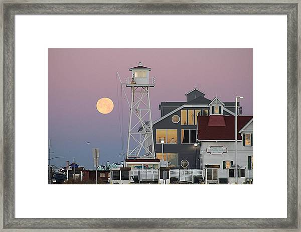 Super Wolf Moon At The Watch Tower Framed Print