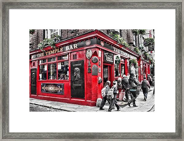 Temple Bar Pub Framed Print