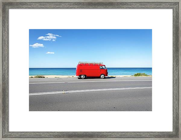 Framed Print featuring the photograph The Red Kombi by Simon Rae