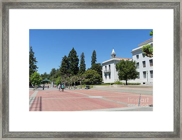 University Of California At Berkeley Sproul Plaza Sather Gate And Sather Tower Campanile Dsc6247 Framed Print