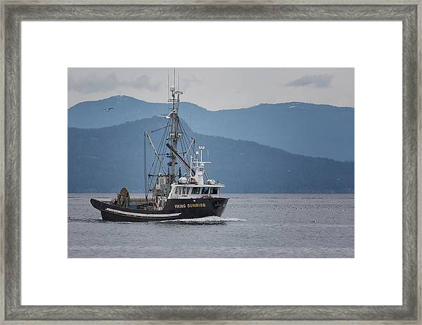 Framed Print featuring the photograph Viking Sunrise At Nw Bay by Randy Hall