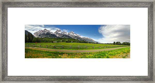 Wind River Range In West Central Wyoming - 04 Framed Print