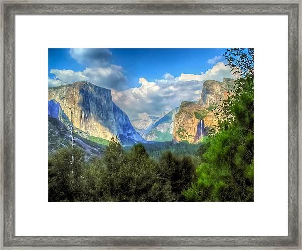 Yosemite Valley Framed Print