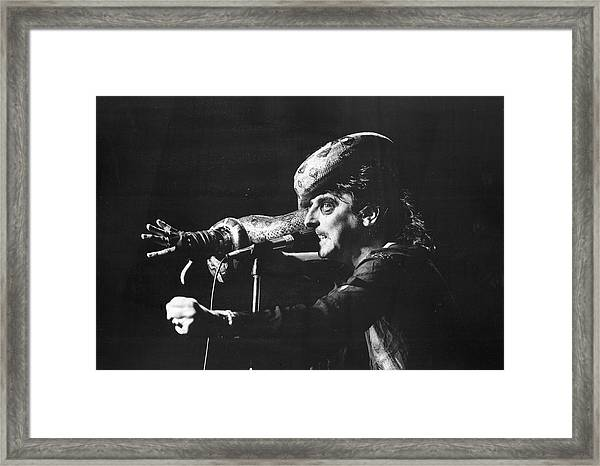 Alice Cooper At Msg Framed Print by Fred W. McDarrah