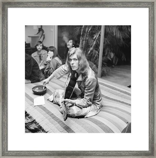 David Bowie At Bingeheimer Party Framed Print by Michael Ochs Archives