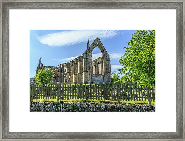 England, North Yorkshire, Wharfedale Framed Print by Emily Wilson
