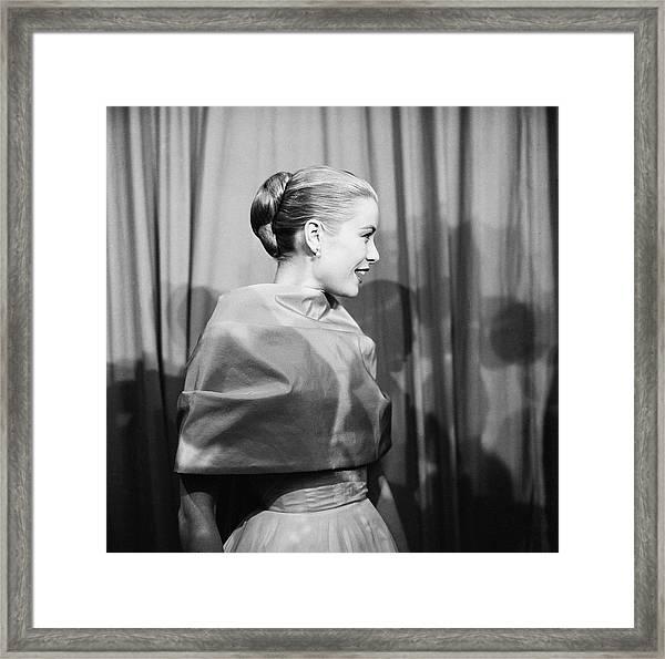 Grace Kelly Framed Print by Michael Ochs Archives