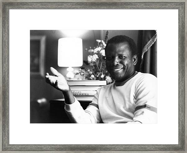 Sidney Poitier Framed Print by Evening Standard