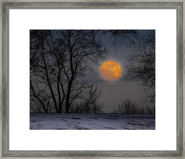 Super Blue Moon Rising 2 Framed Print