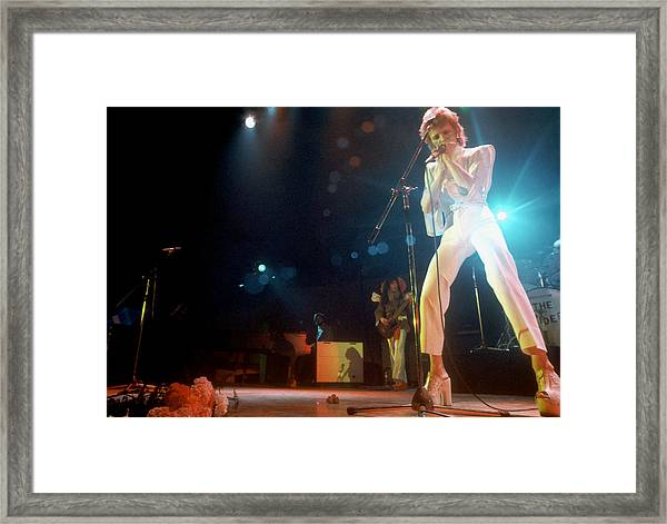 Ziggy Stardust Era Bowie In La Framed Print by Michael Ochs Archives