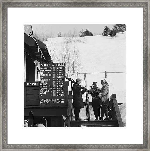 New England Skiing Framed Print by Slim Aarons