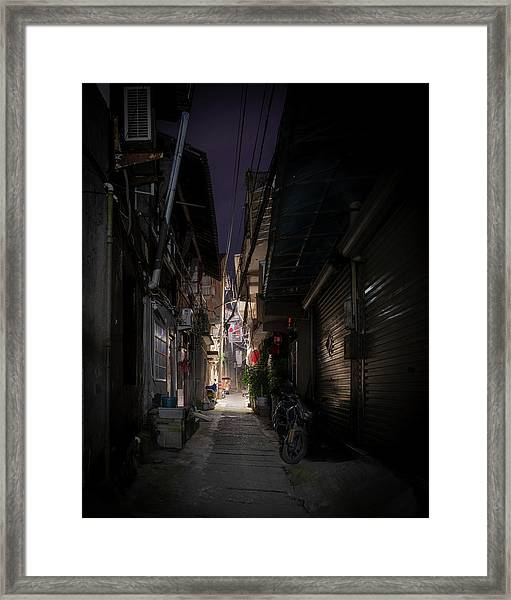 Framed Print featuring the photograph Alleyway On Old West Street by William Dickman