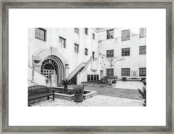 California Institute Of Technology Courtyard Framed Print by University Icons