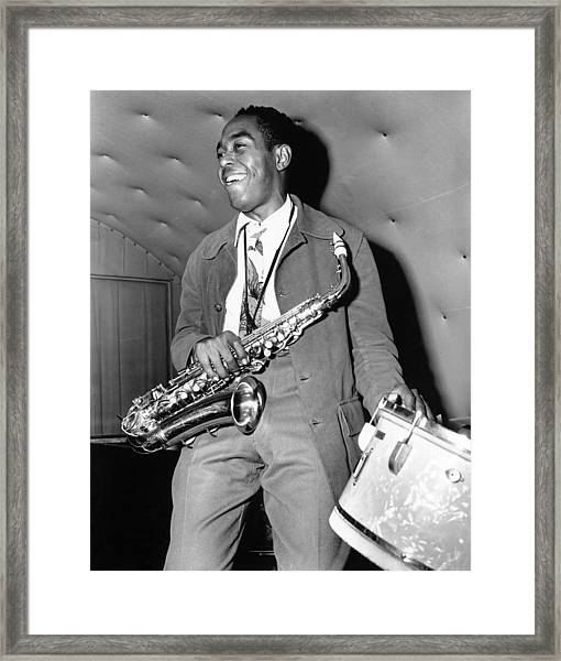Charlie Parker Performing Framed Print by Michael Ochs Archives