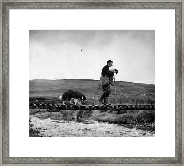 Clyde Rescue Framed Print by Bert Hardy