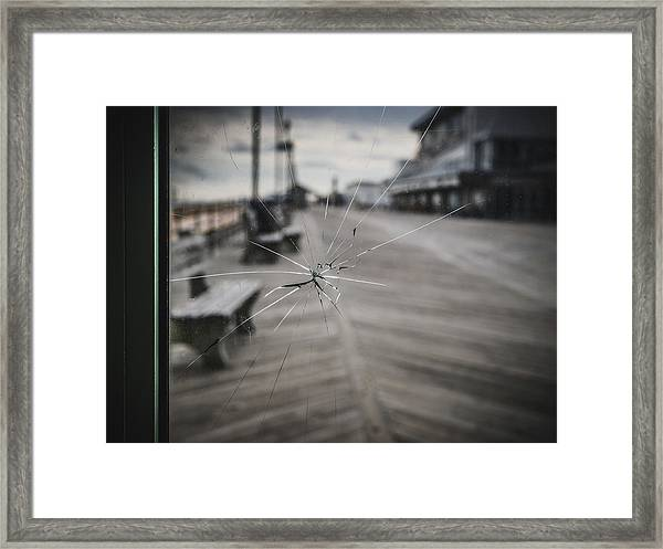 Framed Print featuring the photograph Crack by Steve Stanger