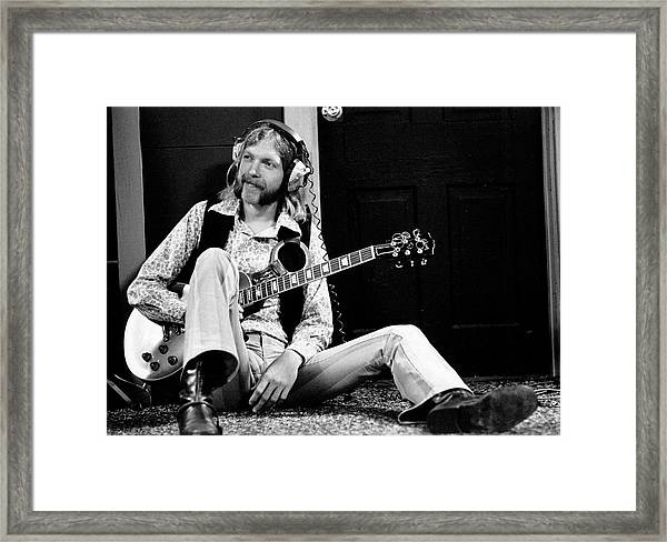 Duane Allman At Muscle Shoals Framed Print by Michael Ochs Archives