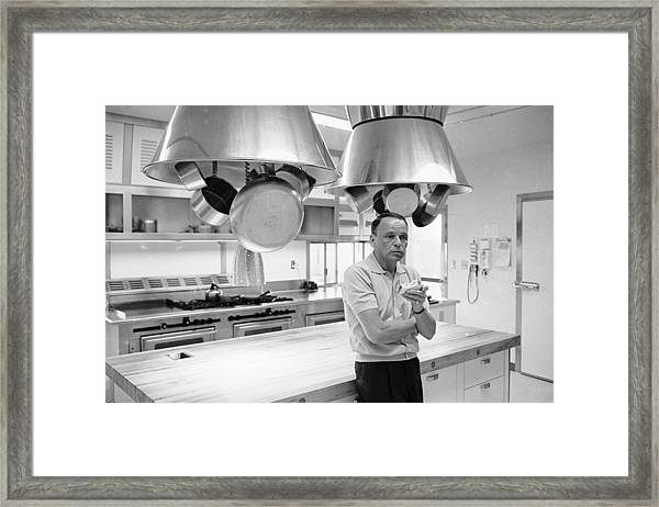 Entertainer Frank Sinatra Eating A Framed Print by John Dominis