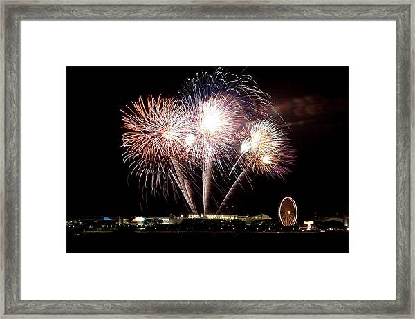 Fireworks In Chicago Framed Print by 400tmax