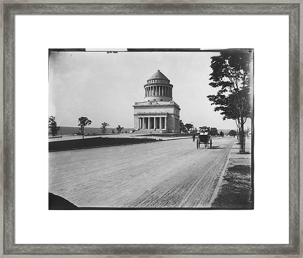 Grants Tomb Framed Print