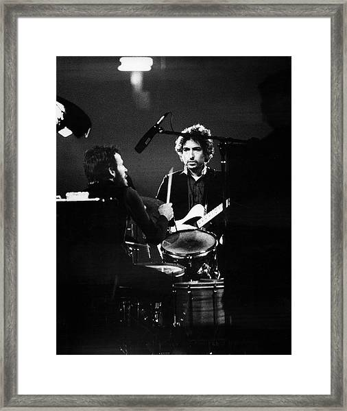 Helm & Dylan At The Spectrum Framed Print by Fred W. McDarrah