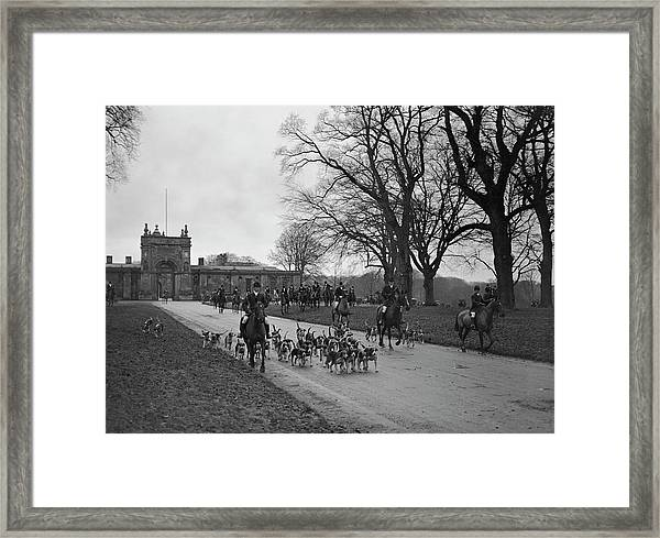 Heythrop Hounds Framed Print by Kirby