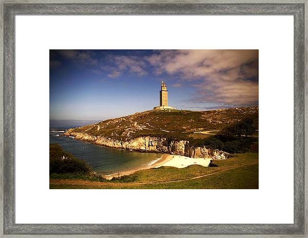 Hércules Tower Framed Print