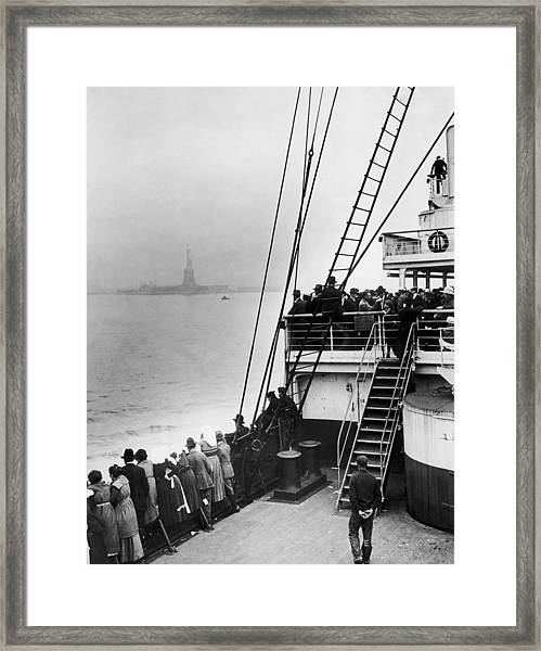 Immigrants Approaching Statue Of Liberty Framed Print