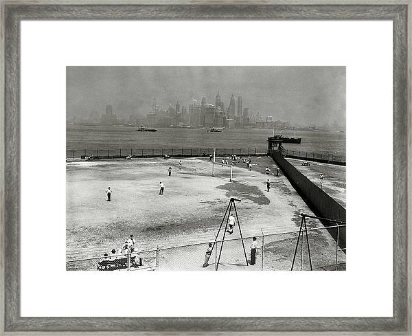 Immigration, Detainees, Usa, Pic 1947 Framed Print