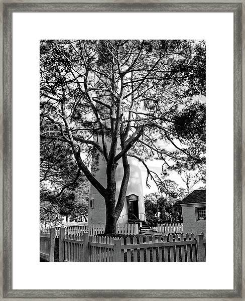 Lighthouse Labor Framed Print