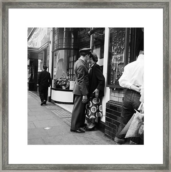 London Couple Framed Print