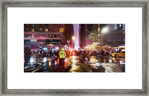 Manhattan Nye Framed Print