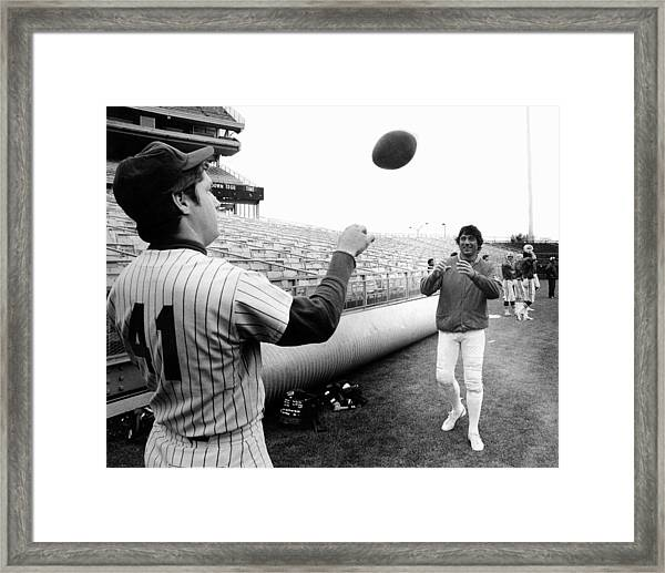 Mets Tom Seaver Warms Up Jets Joe Framed Print