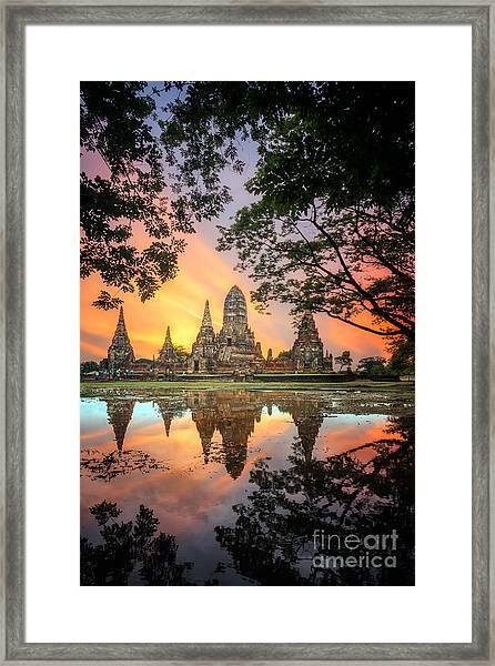 Old Temple Wat Chaiwatthanaram In Framed Print