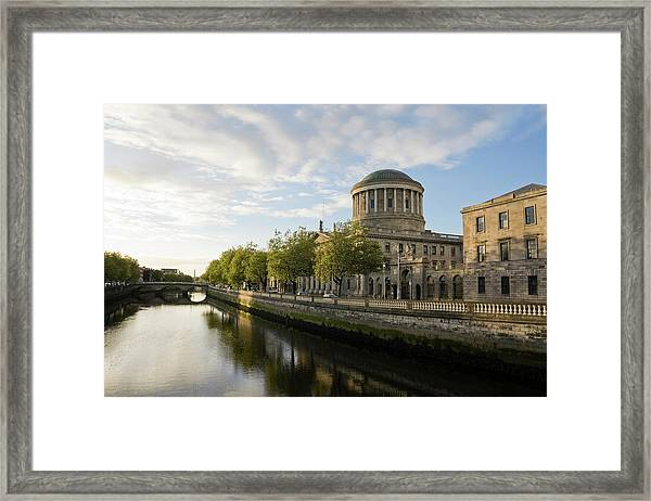 River Liffey And The Four Courts In Framed Print
