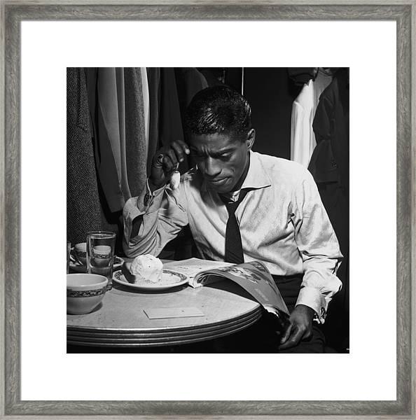 Sammy Davis Jnr Framed Print by Archive Photos