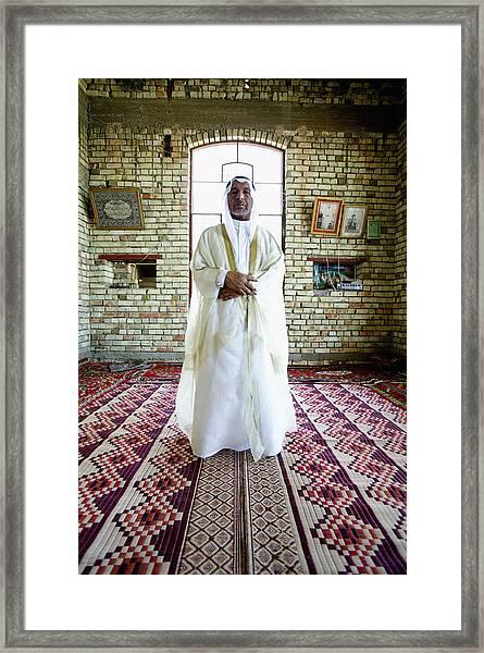 Sheik Fadel Mesrel Al-jumail Portrait Framed Print by Brent Stirton