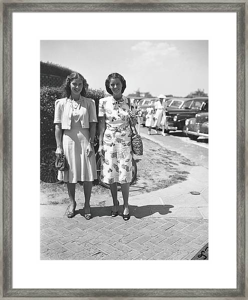 Sisters Anne Murray & Marie Harris Framed Print