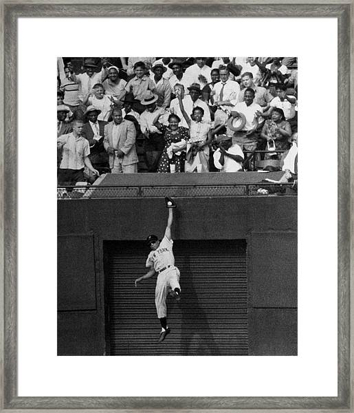 The Giants Amazing Willie Mays Amazes Framed Print