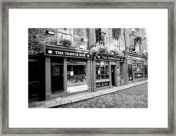 the temple bar pub Dublin Republic of Ireland Europe Framed Print by Joe Fox