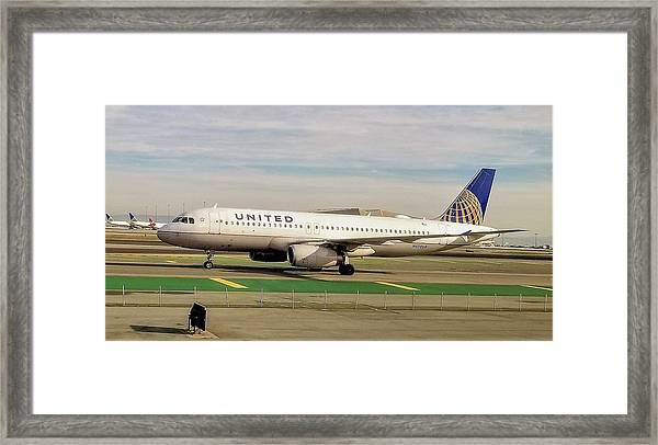 United Airline Airbus A320 At San Francisco International Airport Framed Print