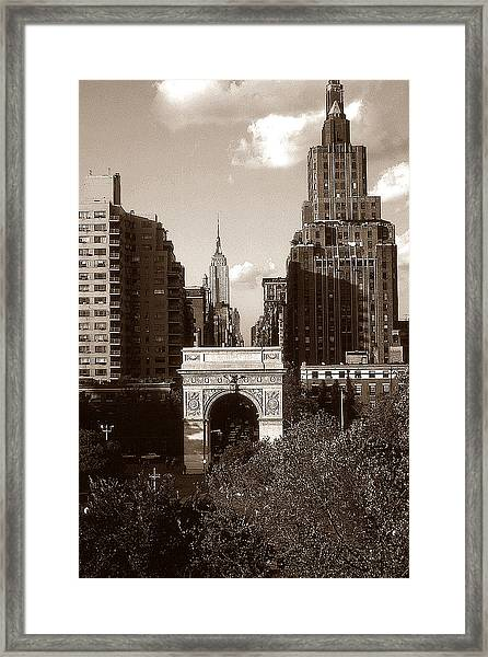 Washington Arch And New York University - Vintage Photo Art Framed Print