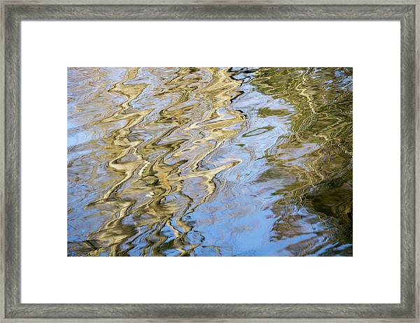 Water Reflection_752_18 Framed Print