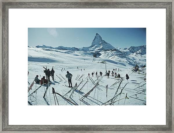 Zermatt Skiing Framed Print by Slim Aarons